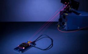 手机红外充电新技术曝光,更科幻的隔空充电,传输距离更远