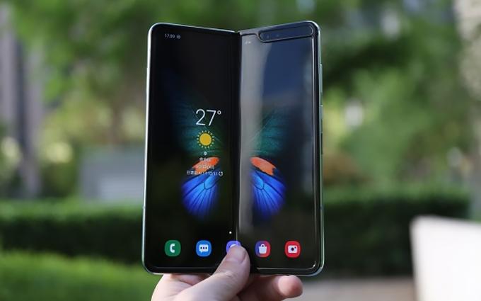 首款折叠屏前途未卜 AT&T宣布取消三星Galaxy Fold预订单