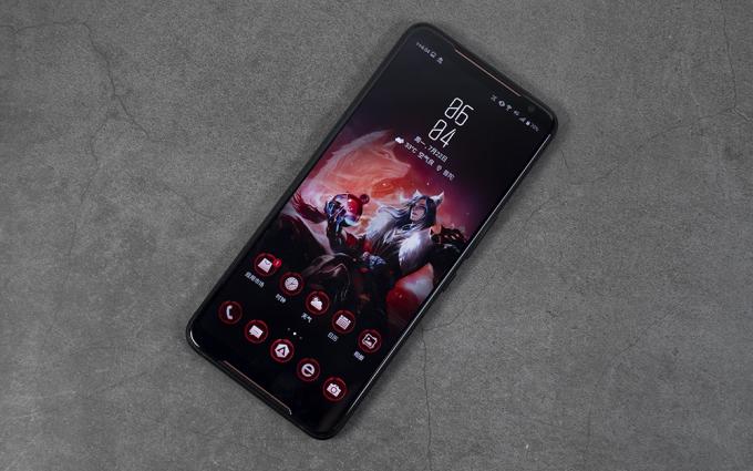 华硕ROG游戏手机2评测:120Hz刷新率 极致顺畅游戏体验