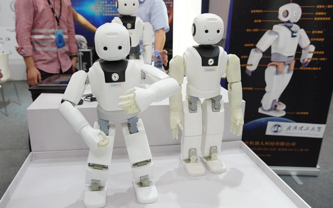 上海科博会 2019 | 飞叶机器人展出拟人机器人:采用最新传感器