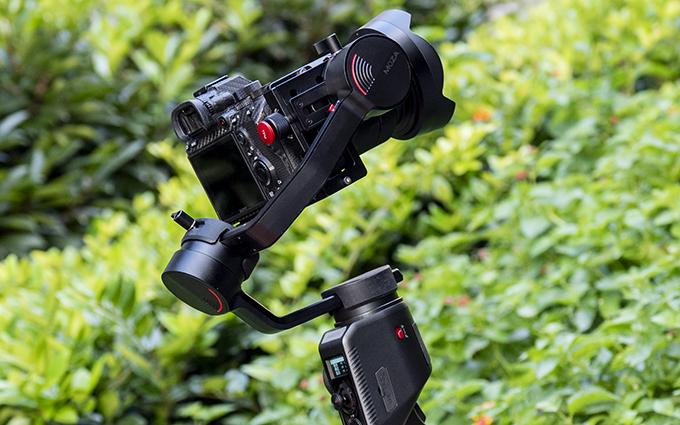 魔爪AirCross 2稳定器评测:超大承重 天生竖拍