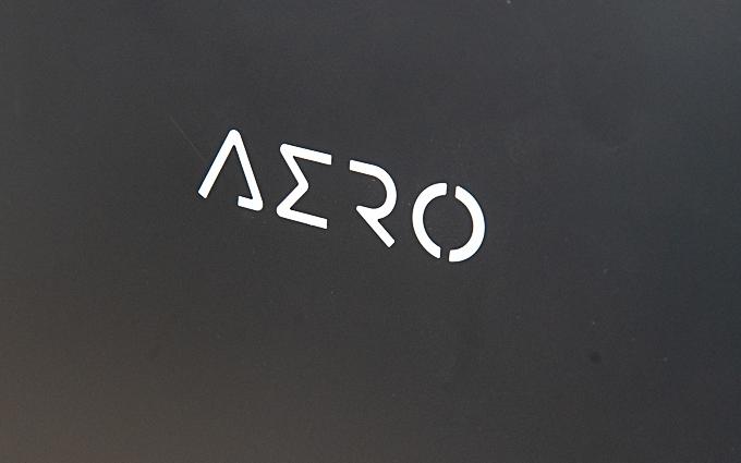 高颜值的创作神器:技嘉NEW AERO15 OLED笔记本评测