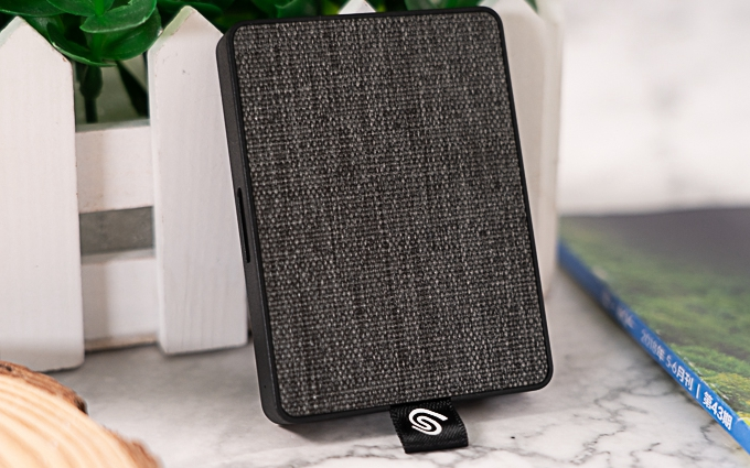 颜值又高又能打:希捷One Touch颜系列便携固态硬盘评测