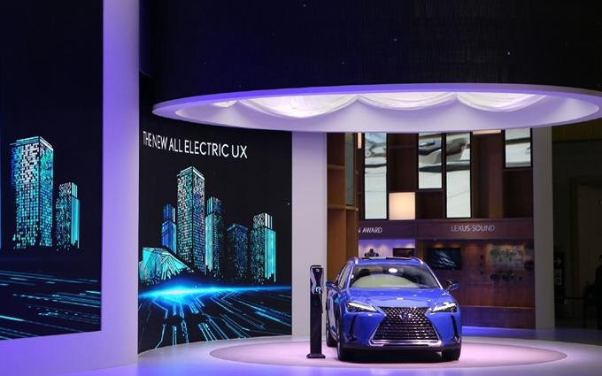 雷克萨斯推出首款电动汽车UX 300e:2020年引入国内