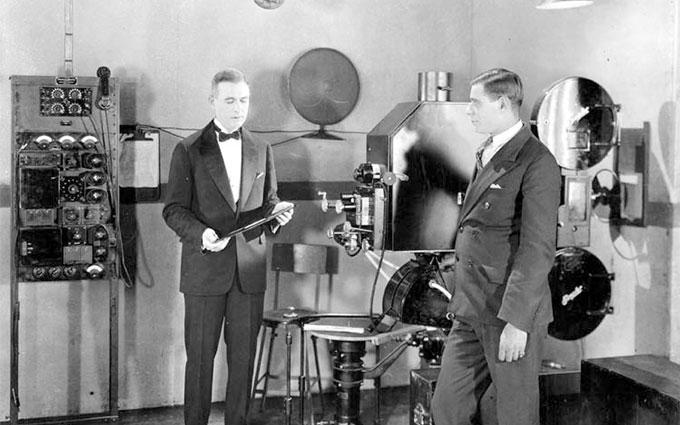 为何电影业坚持24P近百年不动摇?