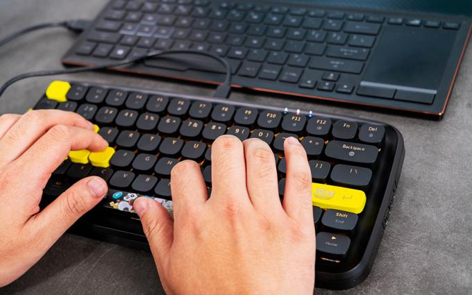 黑爵魔域联名款魔点ZERO原点蓝牙双模机械键盘评测:带你走进非凡的魔域世界