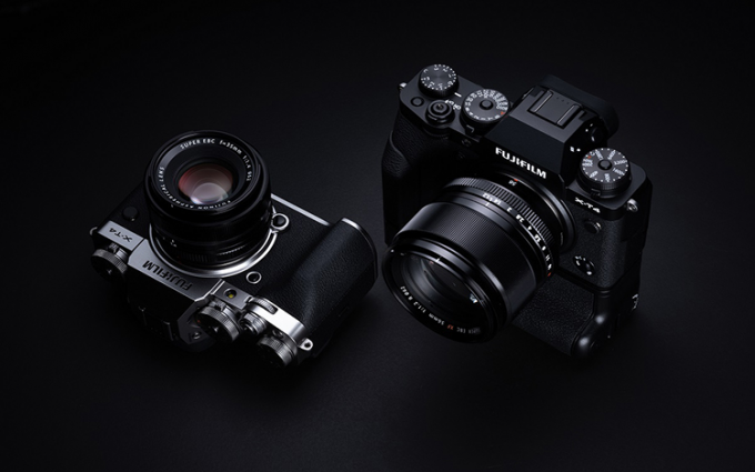 提升续航加入侧翻屏和机身防抖 富士正式发布X-T4无反相机