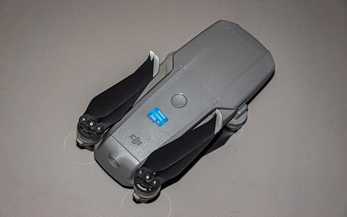 入坑航拍摄影?你需要知道如何挑选合适的无人机及存储卡