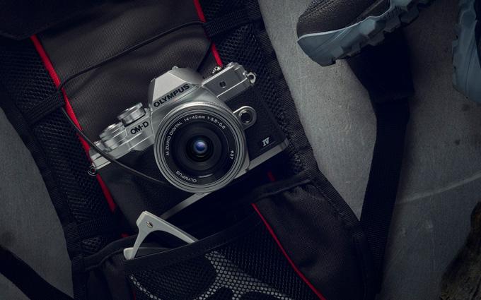 奥林巴斯发布E-M10 Mark III S、E-M10 Mark IV双机 以及100-400mm镜头