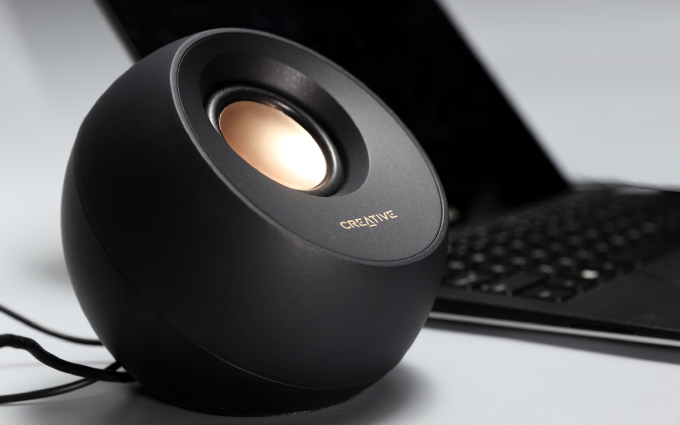 """圆润的桌面""""鹅卵石"""" 创新PEBBLE V3无线蓝牙音响体验"""