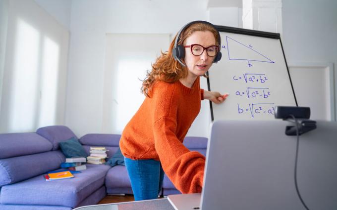 不止办公,视频会议系统助力远程教育