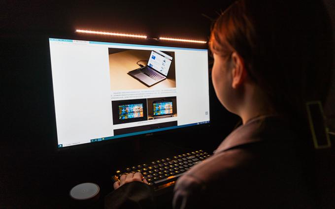 明基ScreenBar Halo评测:第三代显示器挂灯强势来袭