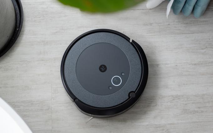 iRobot Roomba i3+扫地机器人测评:年度新品,扫地神器,家庭清洁新选择