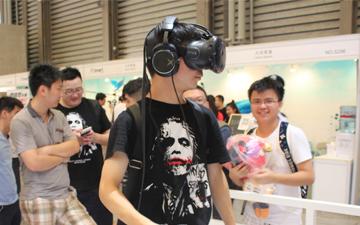 创新科技Sound BlasterX 系列耳机亮相2016 ChinaJoy 西部数据展位