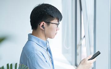 不偏科的三好学生 创新Aurvana Trio三单元圈铁耳机评测