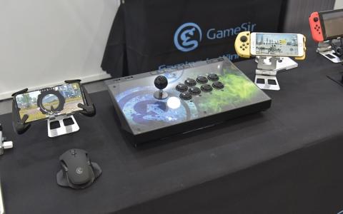 Computex 2019 | 盖世小鸡携彩色版G6s亮相,带来手游新体验
