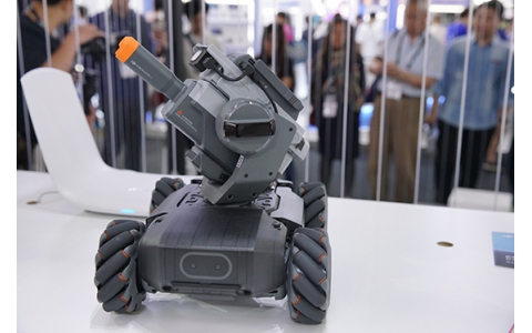 CES Asia 2019 | 激情战斗之余学习编程知识 大疆创新发布机甲大师Robomaster S1教育机器人
